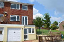 End of Terrace property to rent in Close Royal Sussex...