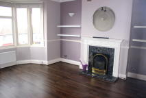 Apartment to rent in Bellingham Road, London...