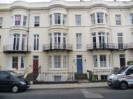 Flat to rent in Albion Road, Scarborough...