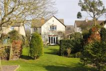 4 bed Detached property in Castle Road, Wootton