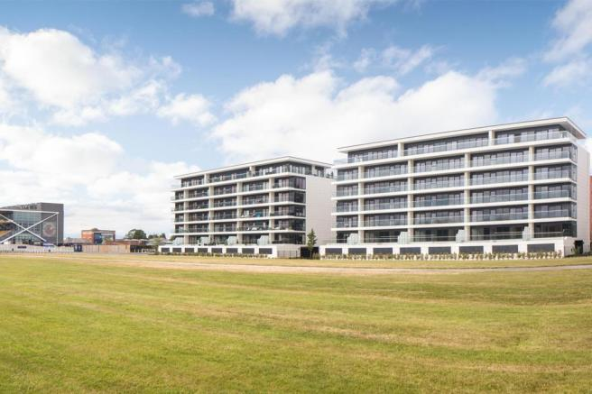 Newbury Racecourse Apartments