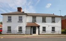 2 bedroom Ground Flat for sale in London Road...