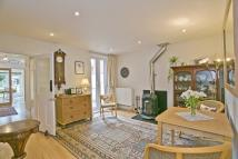 3 bed semi detached house in Windmill Road, Headington