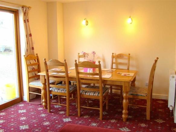 FAMILY / DINING AREA