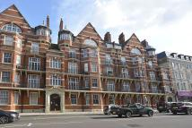 2 bed Apartment in Argyl Mansions...