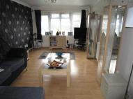 Flat to rent in Alderney Gardens...