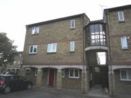 Flat in Fairfax Avenue, Basildon...