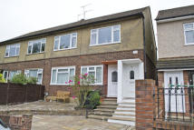 Maisonette to rent in Ruskin Close, Cheshunt...