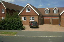 BROYLE PADDOCK semi detached house to rent