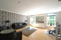 Town House to rent in VICTORIA ROAD, Wilmslow...