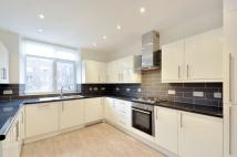 Flat to rent in Finchley Road NW8