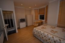 Flat to rent in Bertie Road NW10