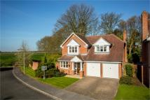 Detached house in Manor Farm Close...
