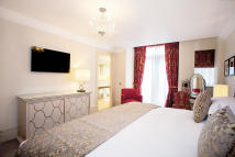 1 bed Flat to rent in Sloane Gardens, London...