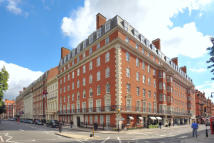 Apartment to rent in Grosvenor Square, London...