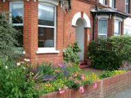 3 bedroom semi detached house to rent in Queens Road, Farnborough...