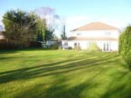 5 bedroom Detached house in Broomleaf Road, Farnham...
