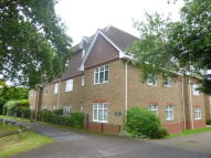 Apartment to rent in Vale Road, Camberley...