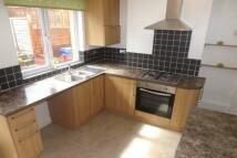 2 bedroom house to rent in Marsh Street, Deepcar