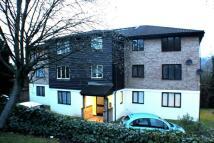 Studio flat in Fairbairn Close, Purley
