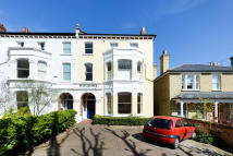 Apartment in Grove Park, London, SE5