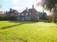 6 bed Detached home in Milton Close - AVAILABLE...