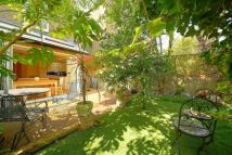 2 bedroom Ground Flat in Two Bedroom Apartment...