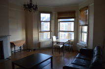 Flat to rent in Osbaldeston Road, London...