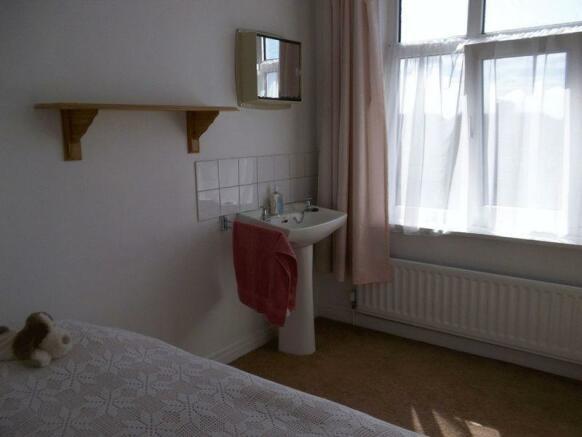 Bedroom 4 - ad...