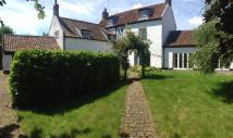 Detached property in Highgate Farm...