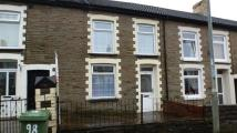 3 bed property to rent in High Street, Tonyrefail...