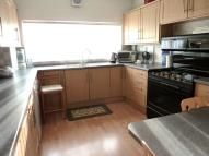3 bedroom Maisonette in Turners Hill, Cheshunt...