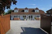 5 bedroom Detached property in Kingsway, Aylesbury Road...