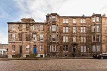 1 bed Apartment in 3 1F3 Leslie Place...