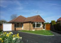 2 bedroom Detached Bungalow in Havengate, Horsham, RH12