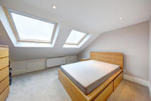 4 bed Terraced house in Southcroft Road, Tooting