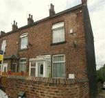 2 bed Cottage to rent in Cross Street, Leeds