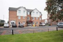 Flat to rent in Grangeside Court...