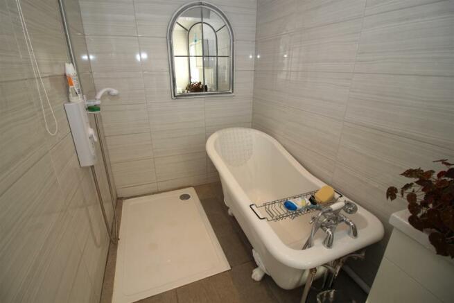 Feature Bath Tub