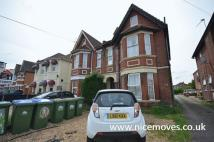 1 bed semi detached house in Thornbury Avenue...