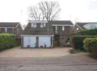 4 bedroom Detached house for sale in Normanhurst Close...