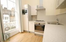 Flat to rent in Gloucester Street...