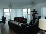 2 bed Apartment to rent in Ingress Park Avenue...