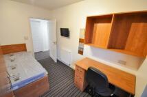 Flat to rent in 4 Bedroom Flat -...