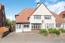4 bed semi detached property to rent in Sunningdale Drive...