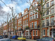 Studio flat in BRAMHAM GARDENS, London...