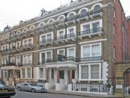 Flat to rent in Grenville Place...