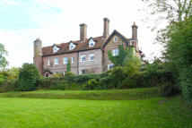 7 bed home to rent in Catsfield place, Battle