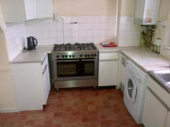 5 bed Flat in Kingward House...