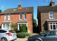 3 bed semi detached property in Purton Road, HORSHAM
